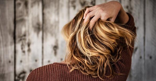 schamp för hår med volym